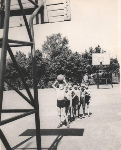 лагерь баскетбольное кольцо